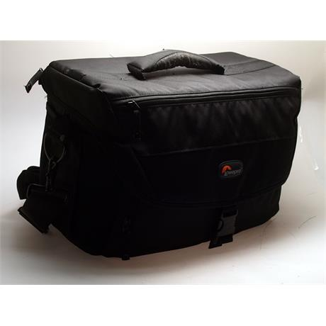 Lowepro Nova 200AW - Black thumbnail