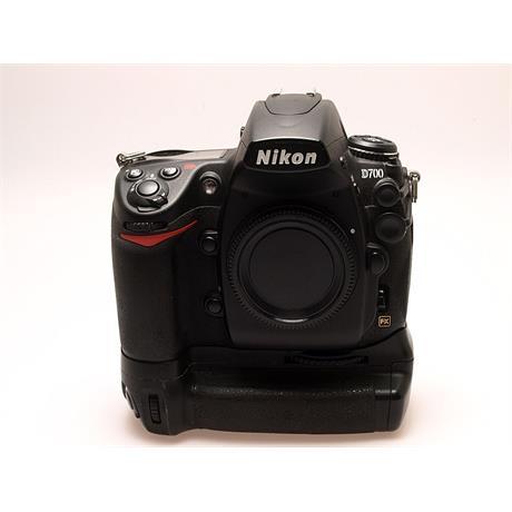 Nikon D700 Body + MB-D10 Grip thumbnail