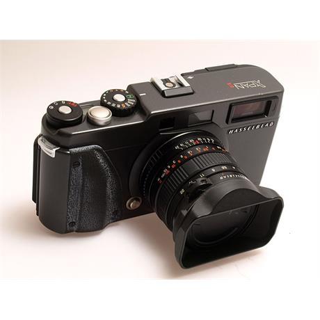 Hasselblad Xpan II + 45mm F4 thumbnail