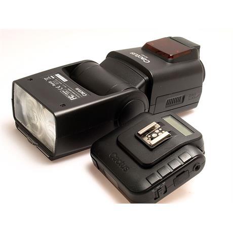 Cactus RF60 Flash + V6 Transeiver thumbnail