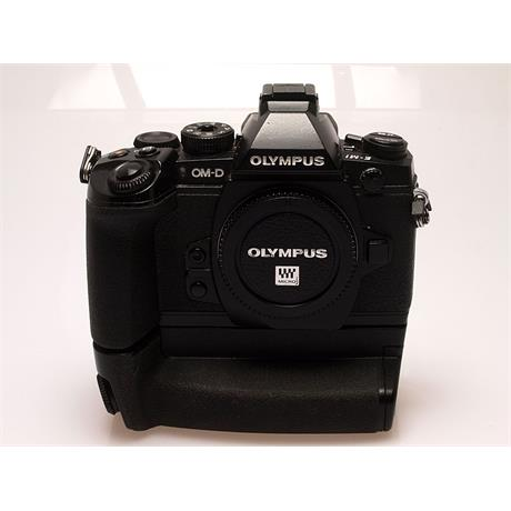 Olympus E-M1 Body + HLD-7 Grip - Black thumbnail