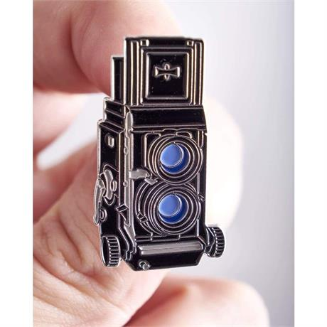 Offcial Exclusive Mamiya C330 Twin Lens Reflex - Pin Badge thumbnail