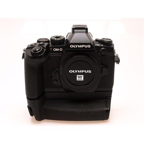 Olympus E-M1 Black Body + HLD-7 Grip thumbnail
