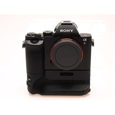 Sony Alpha 7R Body + VG-C1EM Grip thumbnail