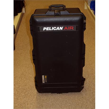 Peli Air 1615 Case + Dividers thumbnail