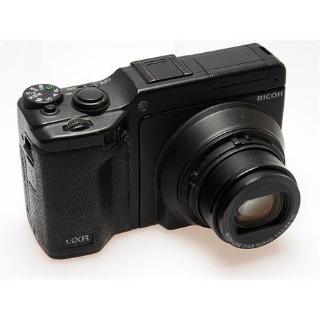 Ricoh GXR + 28-300mm thumbnail