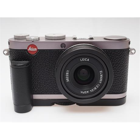 Leica X1 Infra Red + Grip thumbnail