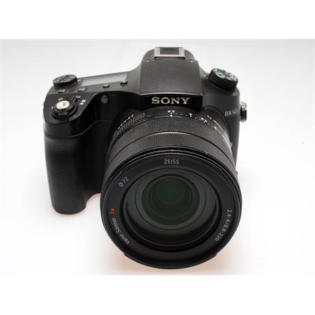 Sony DSC RX10 IV thumbnail