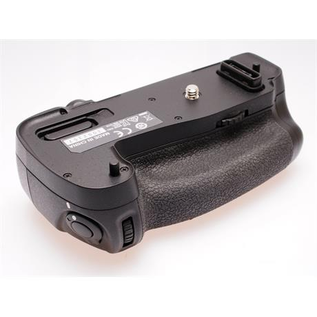 Nikon MB-D16 Battery Grip thumbnail