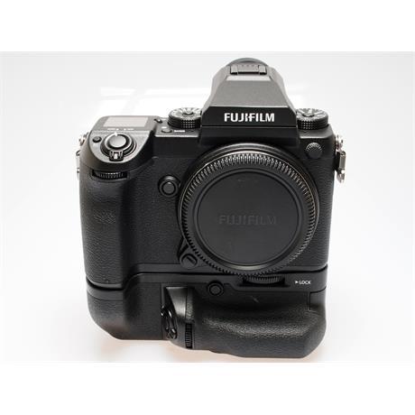 Fujifilm GFX 50S Body + VG-GFX1 Grip thumbnail
