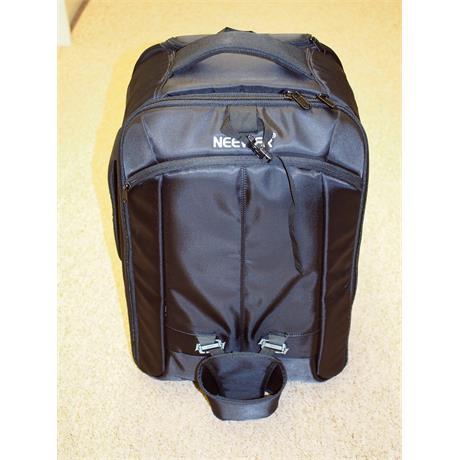 Neewer 2in1 Convertible Wheeled Camera Backpack thumbnail