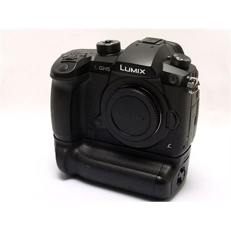 Panasonic DC GH5 Body + BGGHG Battery Grip thumbnail