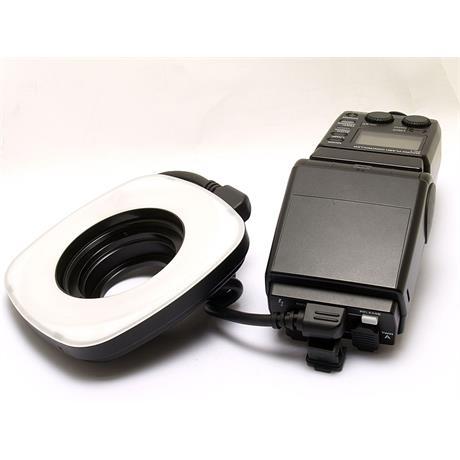 Olympus RF11 Ringflash + FC1 Controller thumbnail