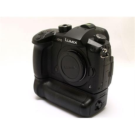Panasonic DC GH5 Body + BGGHG Battery Grip thumbnail