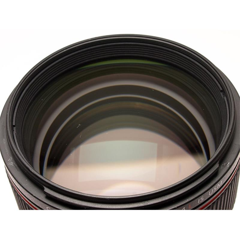 Canon 85mm F1.4 L IS USM Thumbnail Image 1