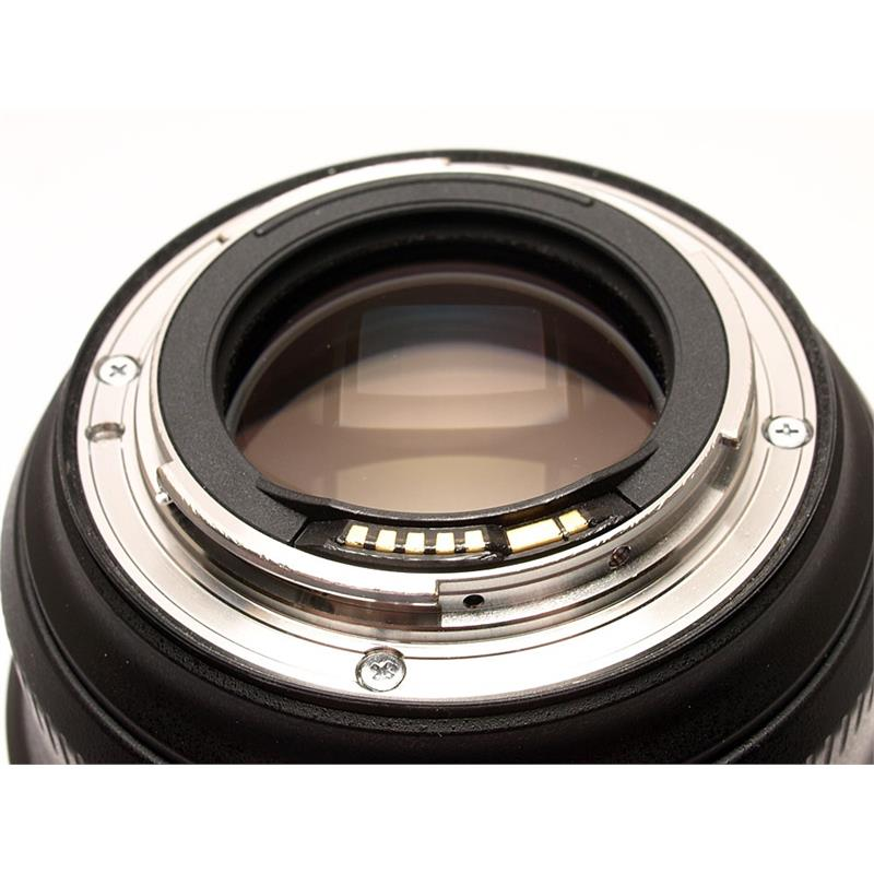 Canon 85mm F1.4 L IS USM Thumbnail Image 2