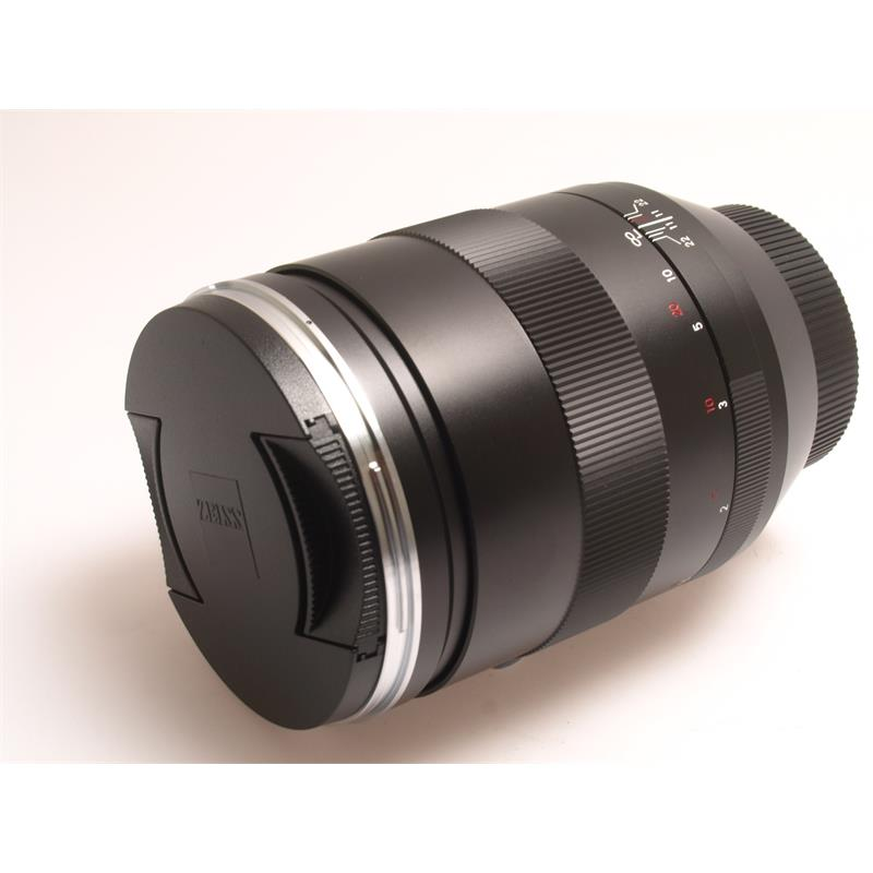 Zeiss 135mm F2 Apo Sonnar T* ZE Image 1