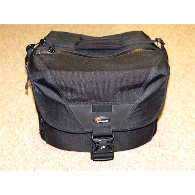 Lowepro Stealth Reporter D400AW Thumbnail Image 0