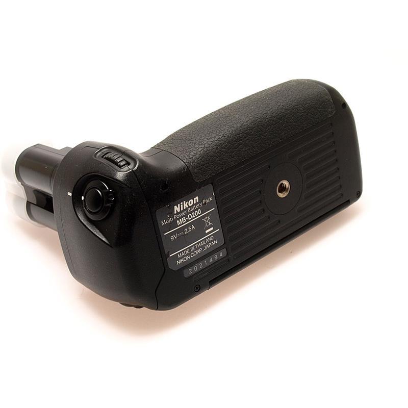 Nikon MB-D200 Battery Grip Thumbnail Image 2