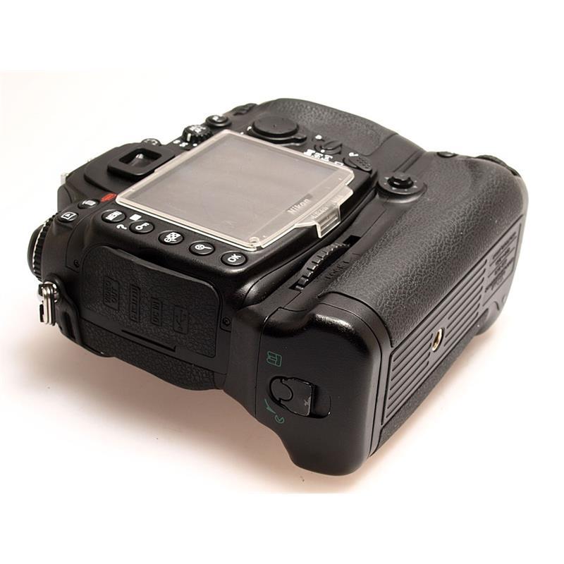 Nikon D300 + MB-D10 Grip Thumbnail Image 2