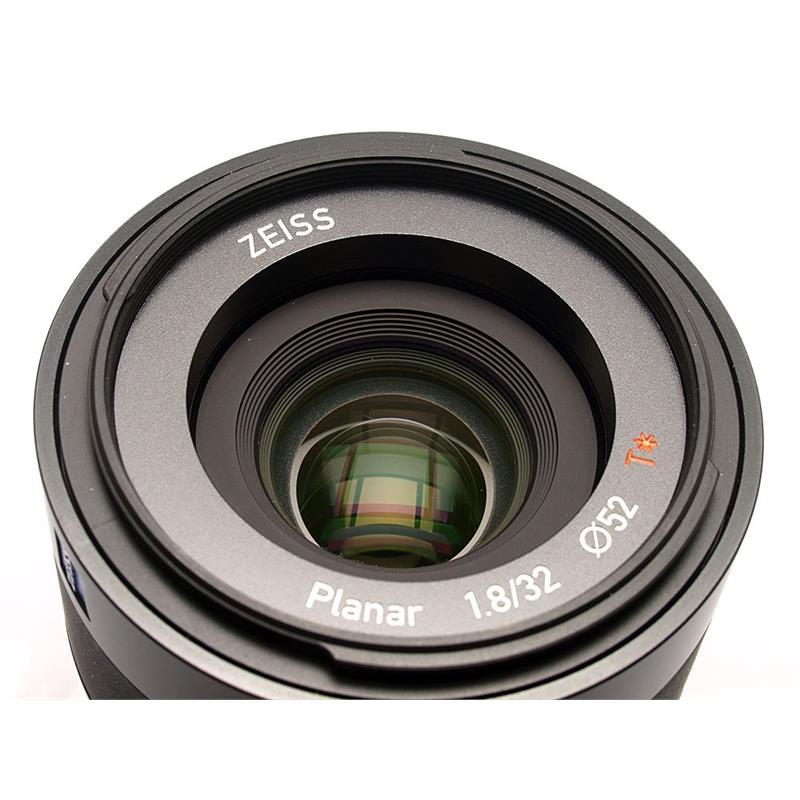 Zeiss 32mm F1.8 Touit - Sony E Thumbnail Image 1