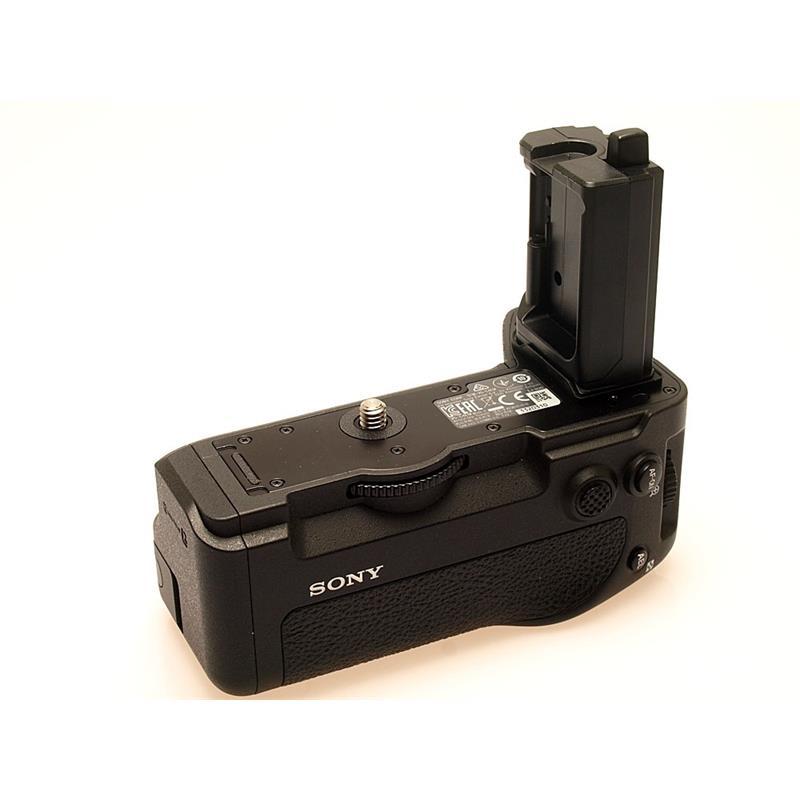 Sony VG-C4EM Battery Grip Thumbnail Image 1