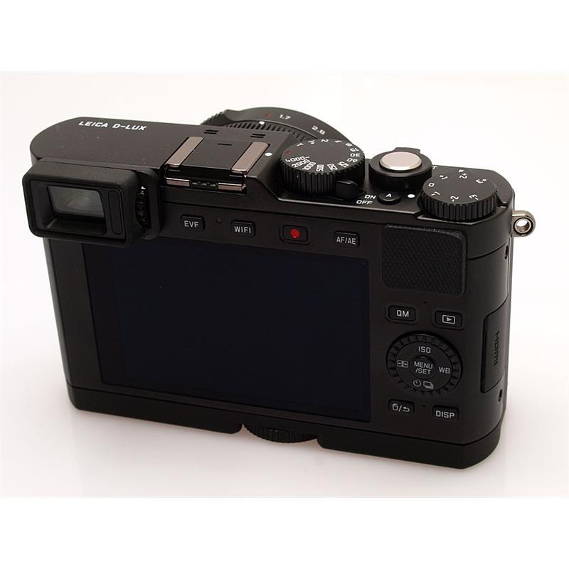 Leica DLux (Typ 109) + Handgrip Thumbnail Image 1