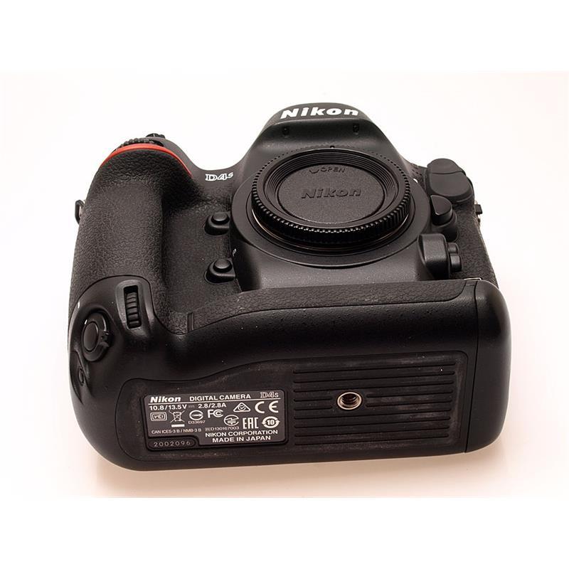 Nikon D4S Body Only Thumbnail Image 2