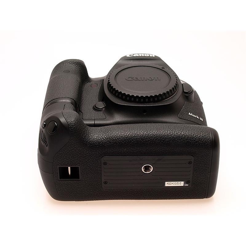 Canon EOS 5D III Body + BG-E11 Grip Thumbnail Image 2