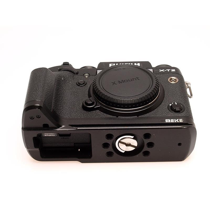 Fujifilm X-T2 Body + MHG-XT2 Handgrip Thumbnail Image 2