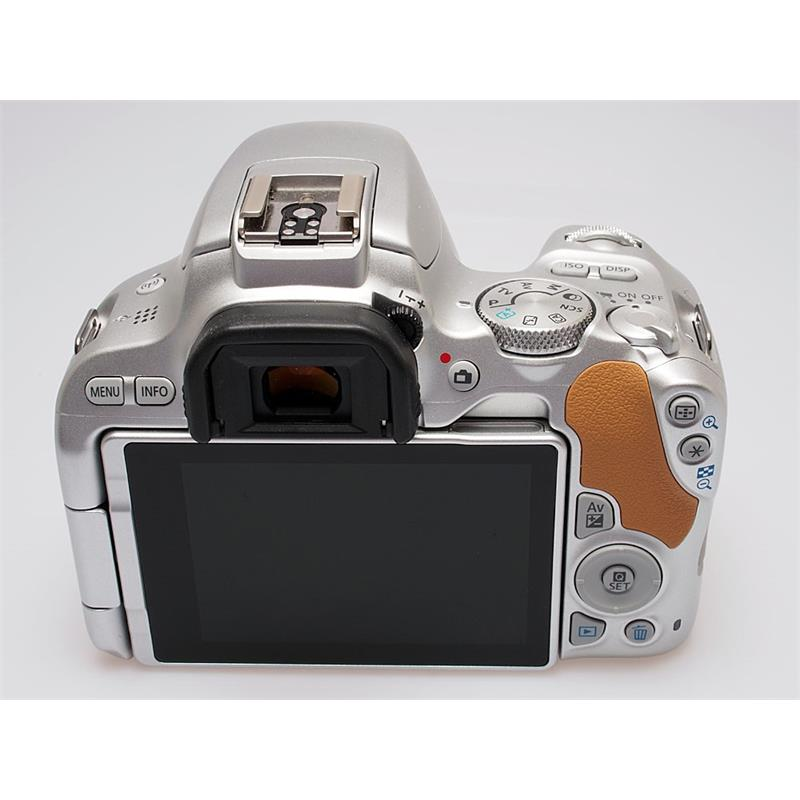 Canon EOS 200D Body Only Thumbnail Image 1