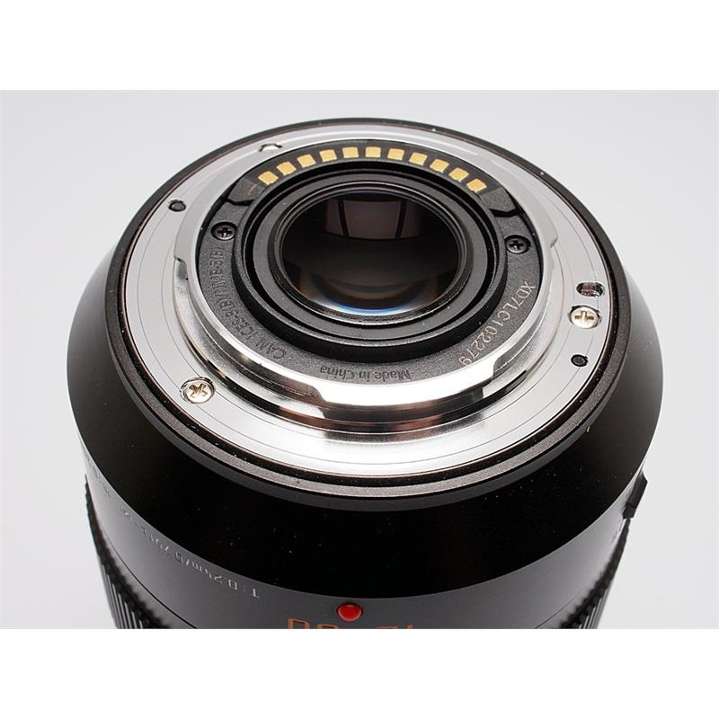 Panasonic 12-60mm F2.8-4.0 Leica DG Vario Thumbnail Image 2
