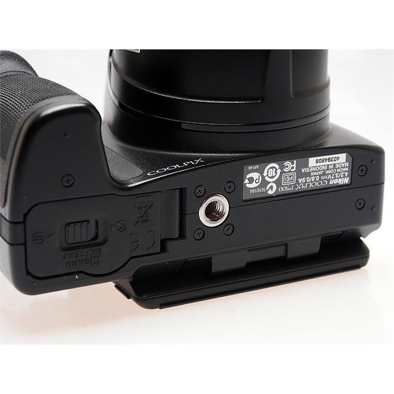 Nikon Coolpix P500 Thumbnail Image 1
