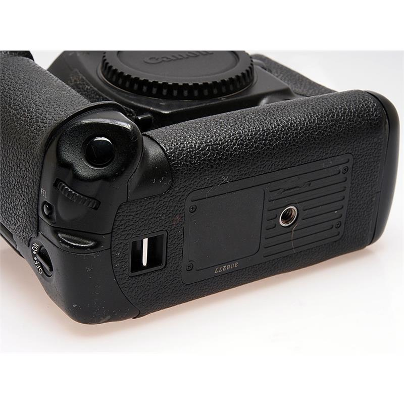 Canon EOS 1DS II Body Only Thumbnail Image 1