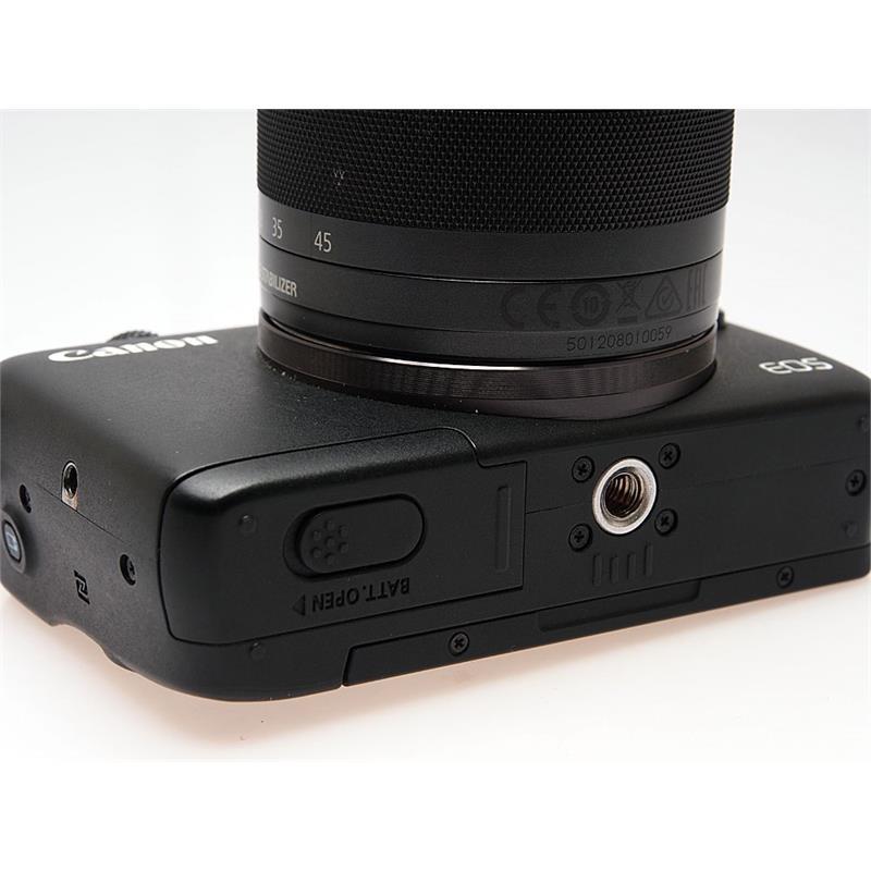 Canon EOS M10 + 15-45mm Thumbnail Image 1