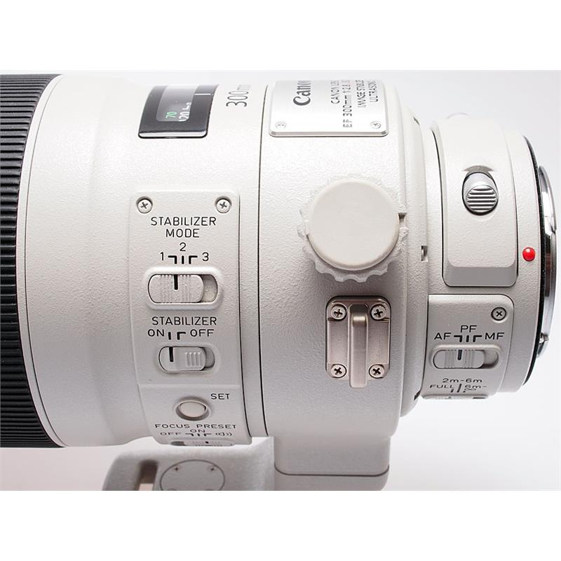 Canon 300mm F2.8 L IS USM II Thumbnail Image 3