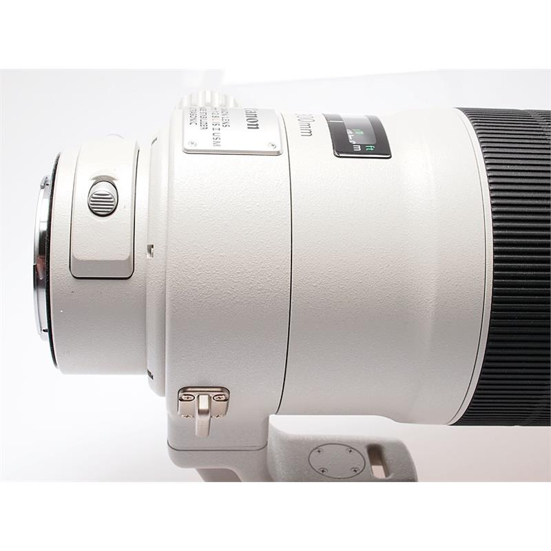 Canon 300mm F2.8 L IS USM II Thumbnail Image 4