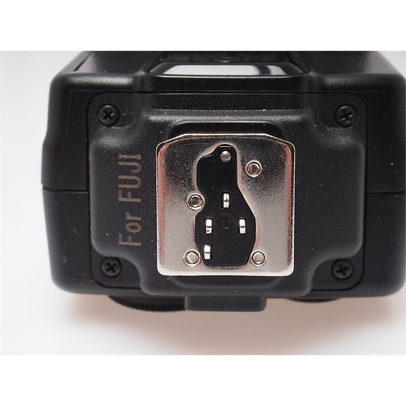 Nissin i40 Flashgun - Fuji X Thumbnail Image 2