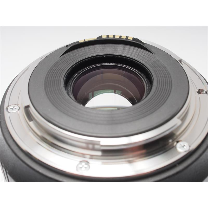 Canon 35mm F2 IS USM Thumbnail Image 2