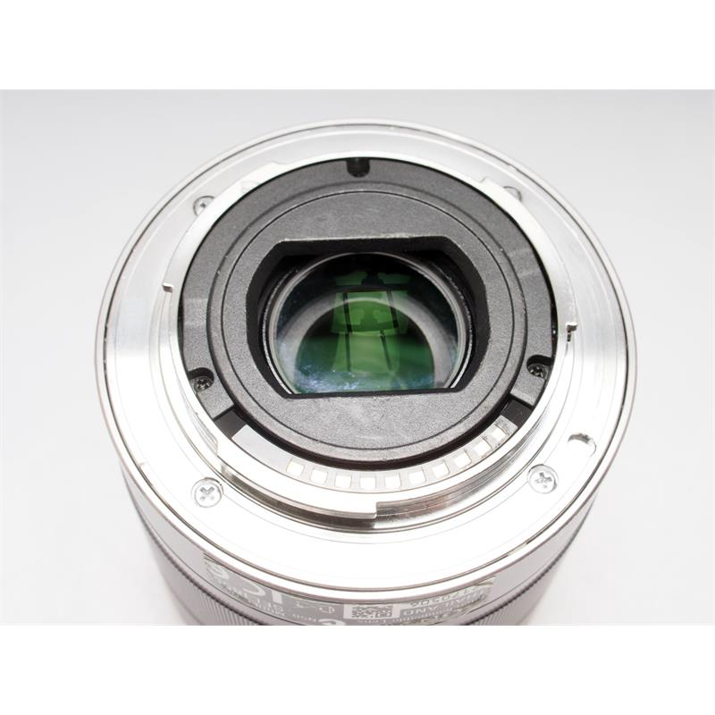 Sony 18-55mm F3.5-5.6 OSS Thumbnail Image 2