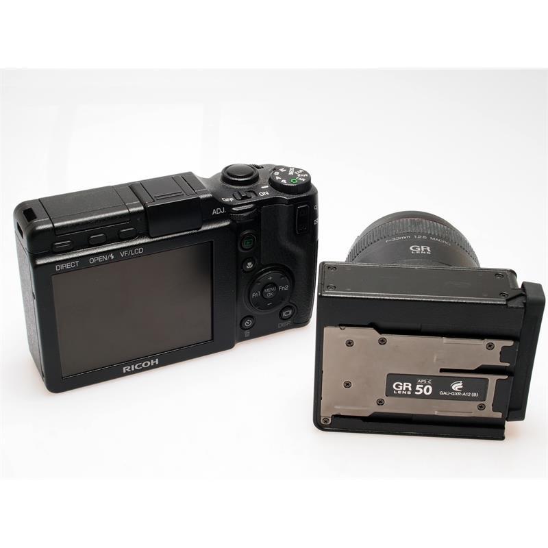 Ricoh GXR + 24-72mm + 50mm F2.5 Macro + VF2 Fi Thumbnail Image 2