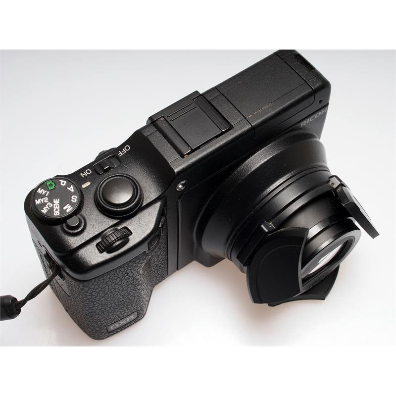Ricoh GXR + 28-300mm Thumbnail Image 1