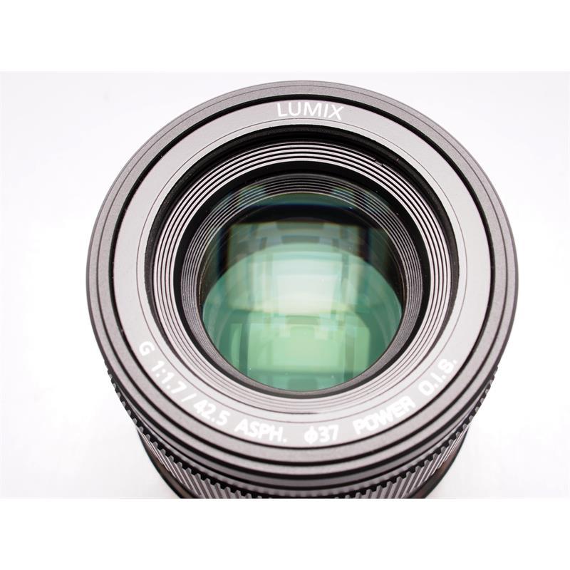 Panasonic 42.5mm F1.7 ASPH - Black Thumbnail Image 1