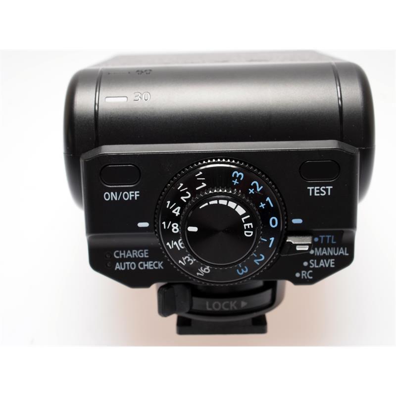 Panasonic DMW-FL200 Flash Thumbnail Image 2