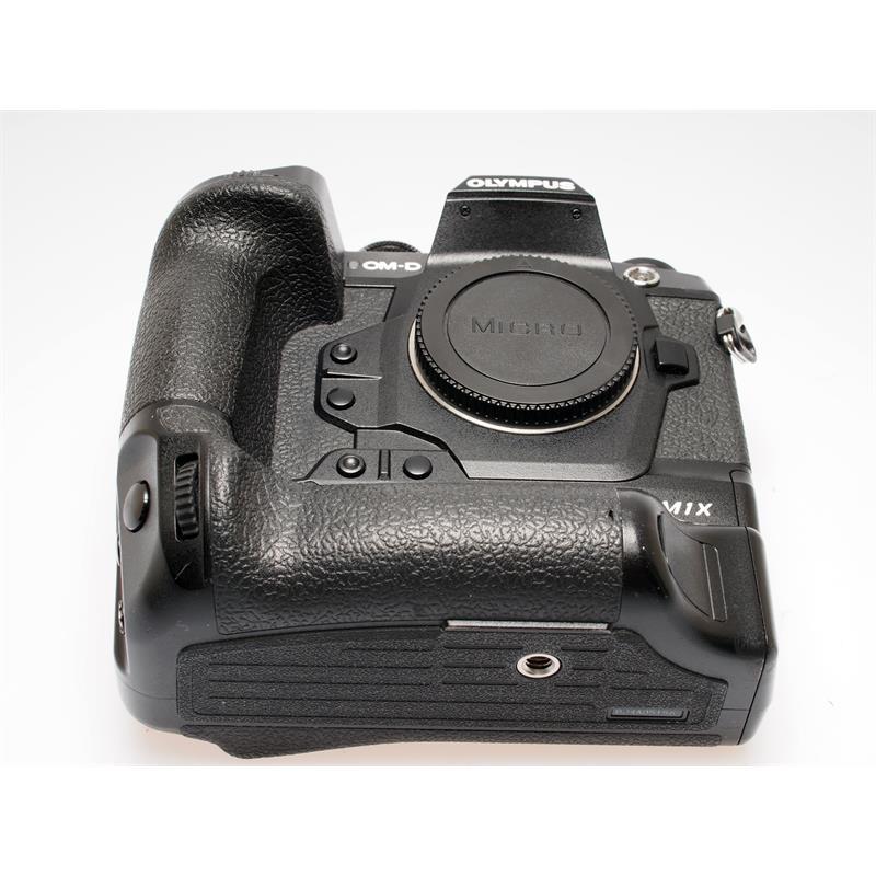 Olympus OM-D E-M1X Body Only - Black Thumbnail Image 2