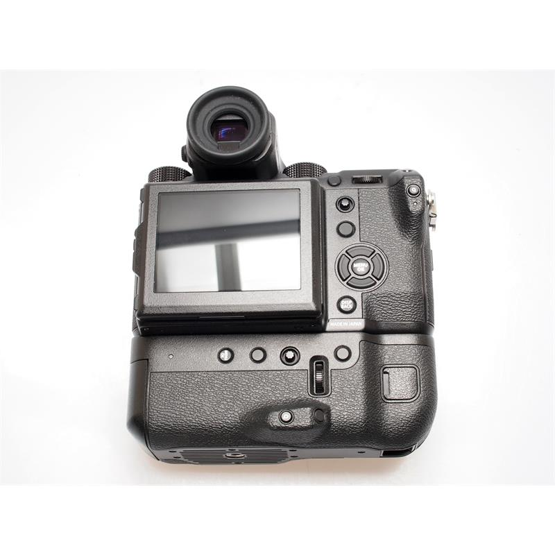 Fujifilm GFX 50S Body + VG-GFX1 Grip Thumbnail Image 1
