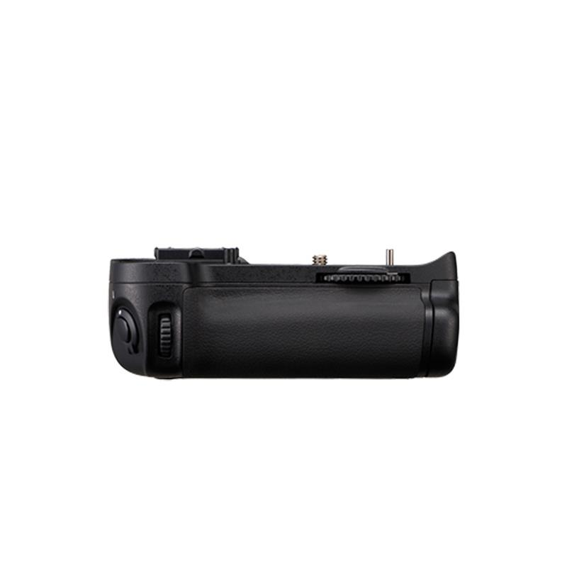 Nikon MB-D11 Battery Grip (D7000) Image 1
