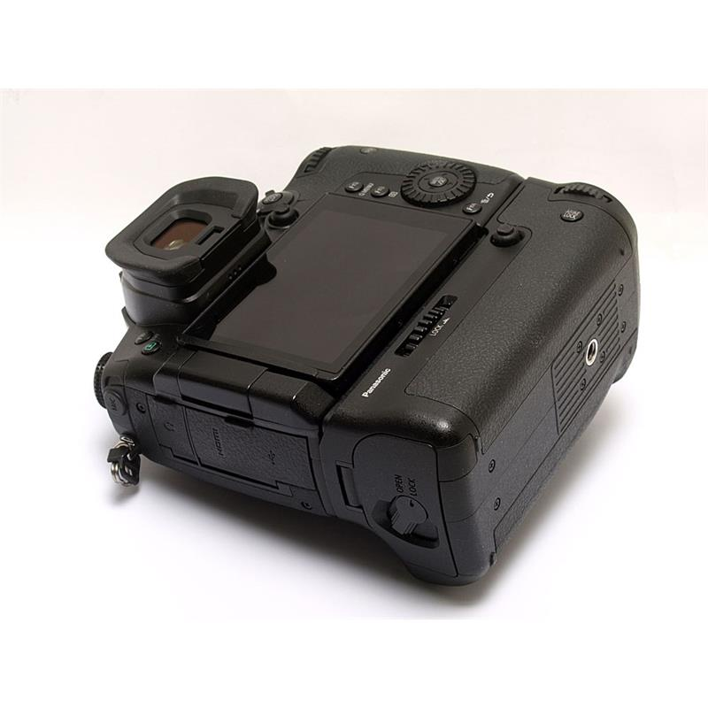 Panasonic DC GH5 Body + BGGHG Battery Grip Thumbnail Image 2