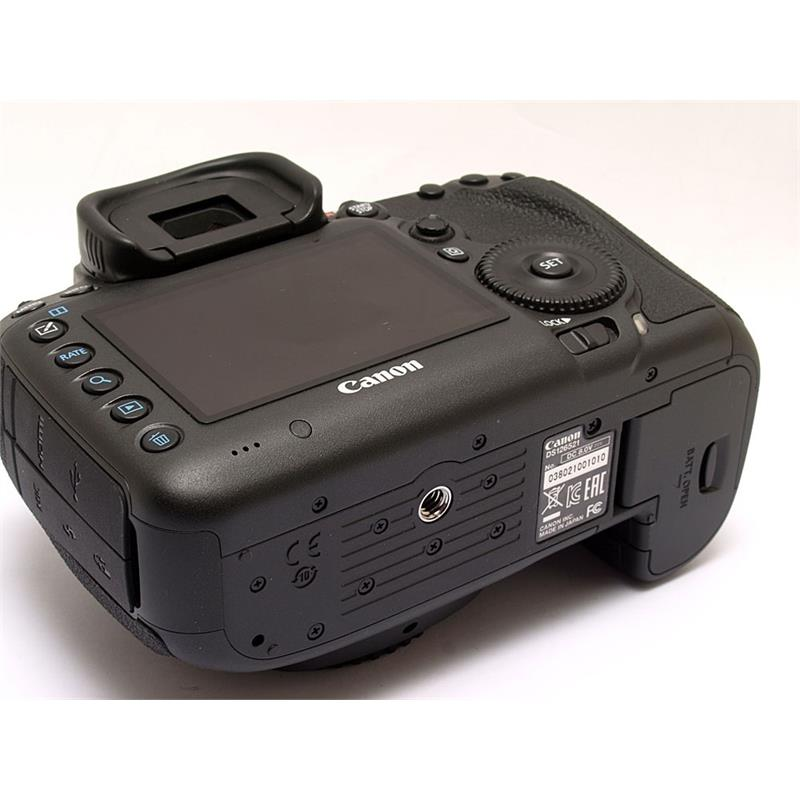 Canon EOS 5DS Body Only Thumbnail Image 2